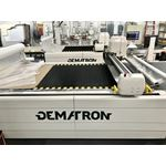 Automatic fabric cutter