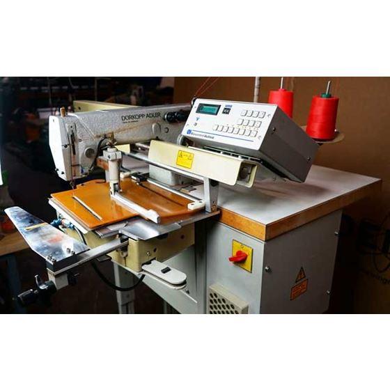 DURKOPP ADLER 743-121 Dart Pleat Sewing Machine