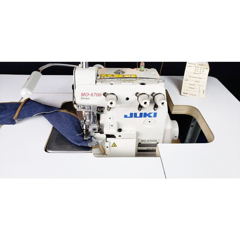 MO-6704 INDUSTRIAL SEWING MACHINE 3 THREAD